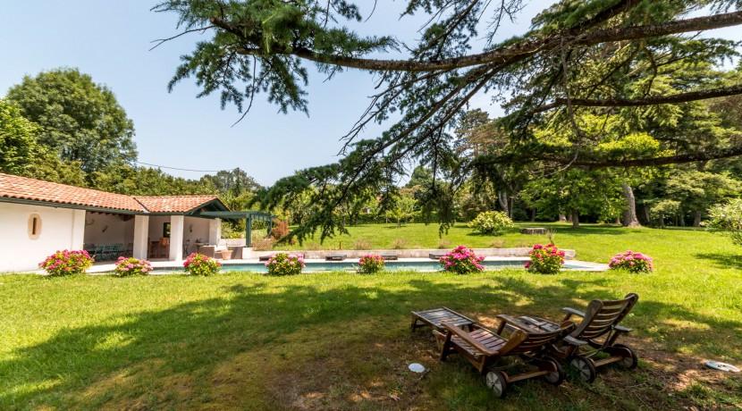 Maison Ascain piscine01