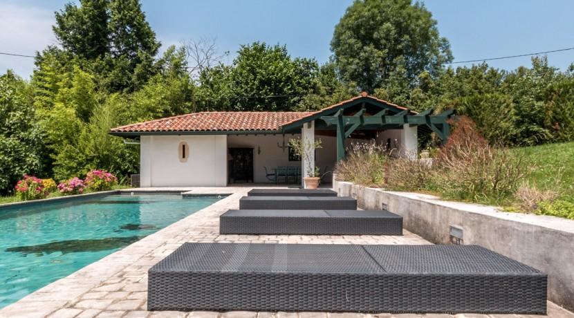Maison Ascain piscine06