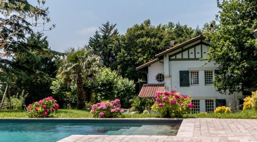 Maison Ascain piscine08