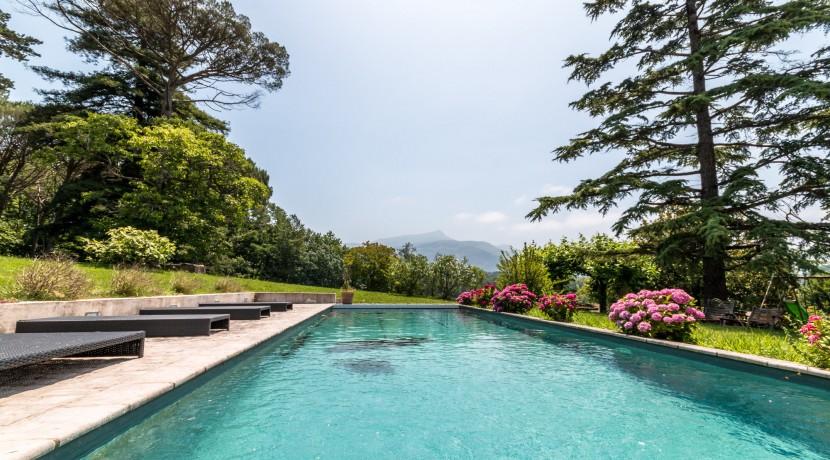 Maison Ascain piscine09