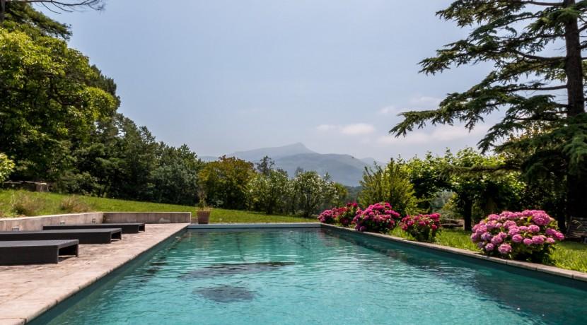 Maison Ascain piscine10