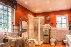 Maison Ascain salle de bains03