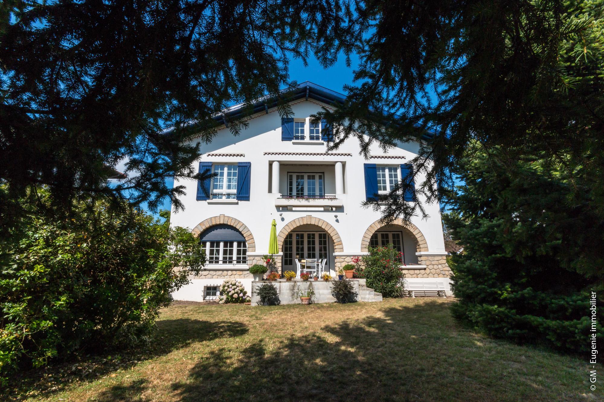 Belle Maison d'architecte de 270 m² Rénovée