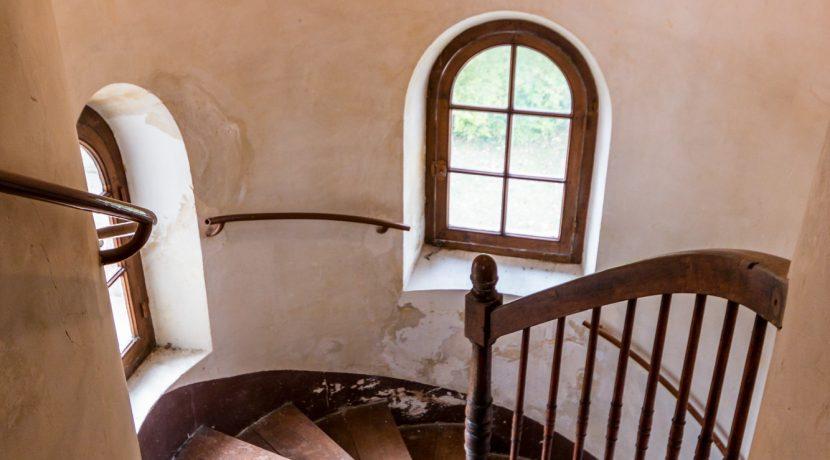 Escalier tour 01