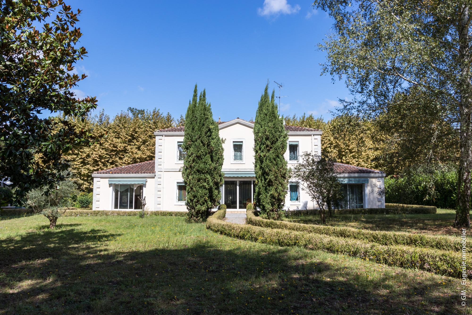 Maison de Maitre 275 m² 10p Beau Parc Arboré 6800 m²