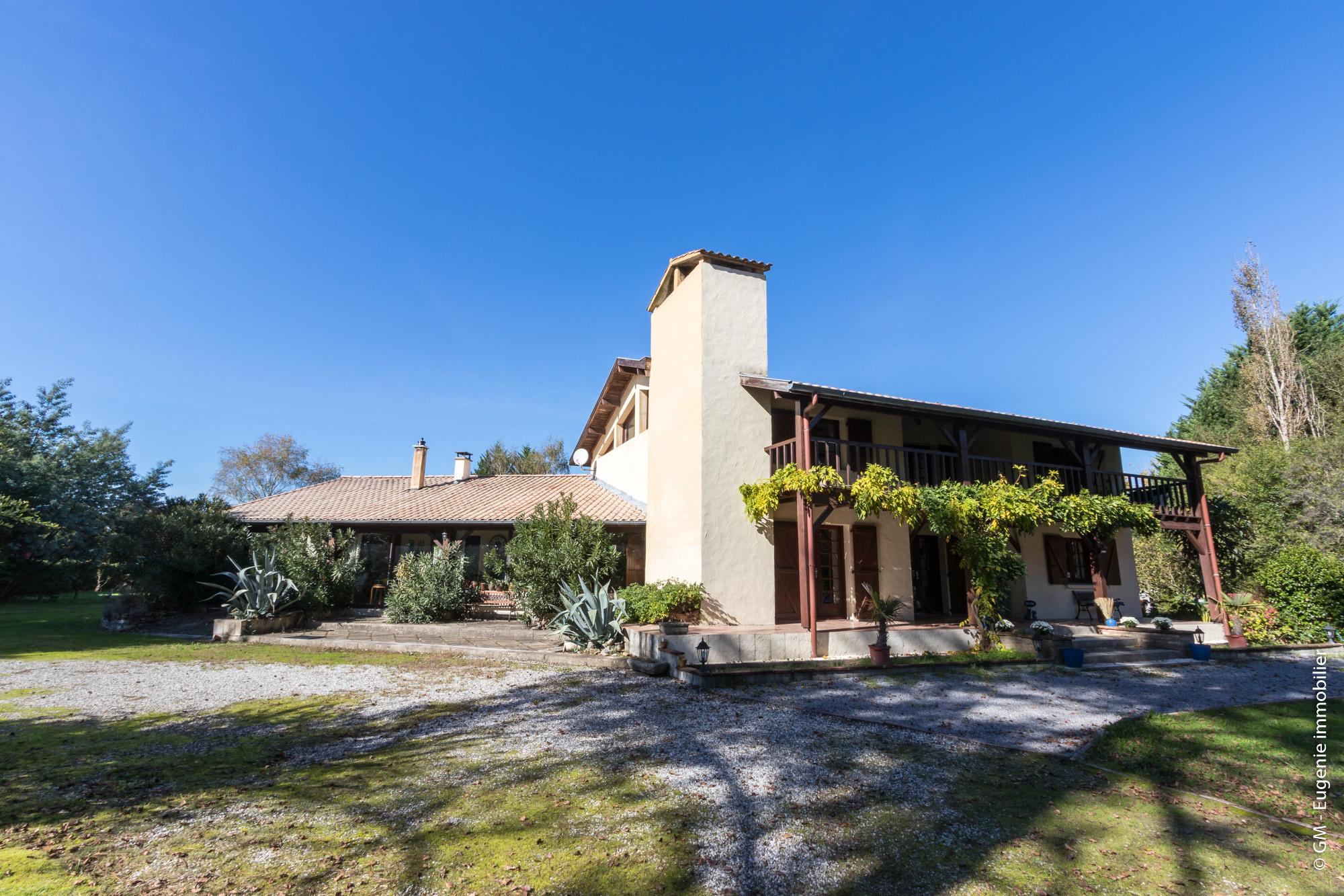 Maison d'Architecte 300 m² T7 Parc Arboré de 5400 m²