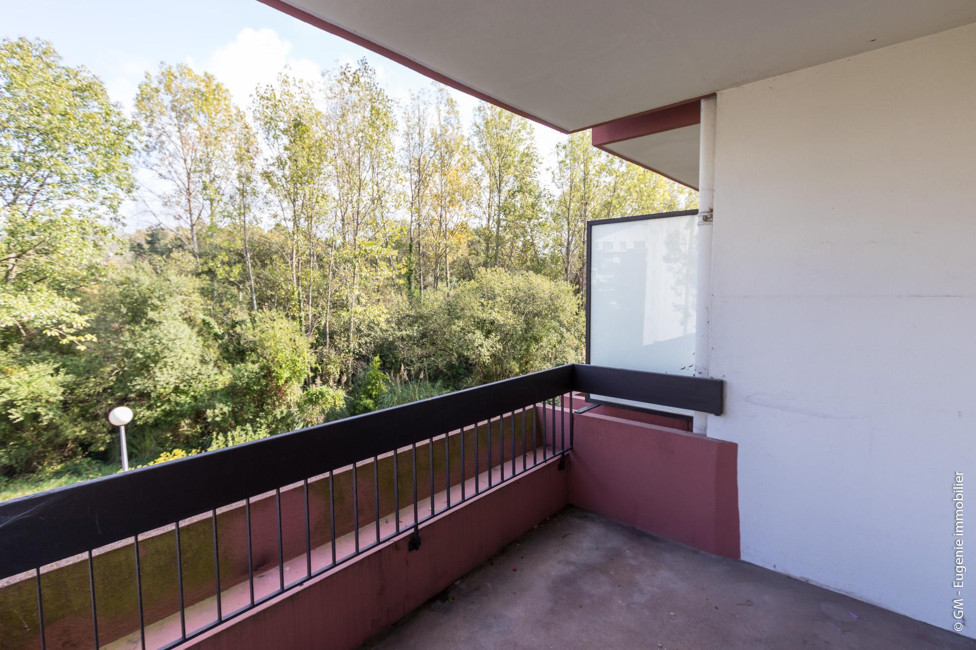 Appartement T3 66 m² au calme proche commodités