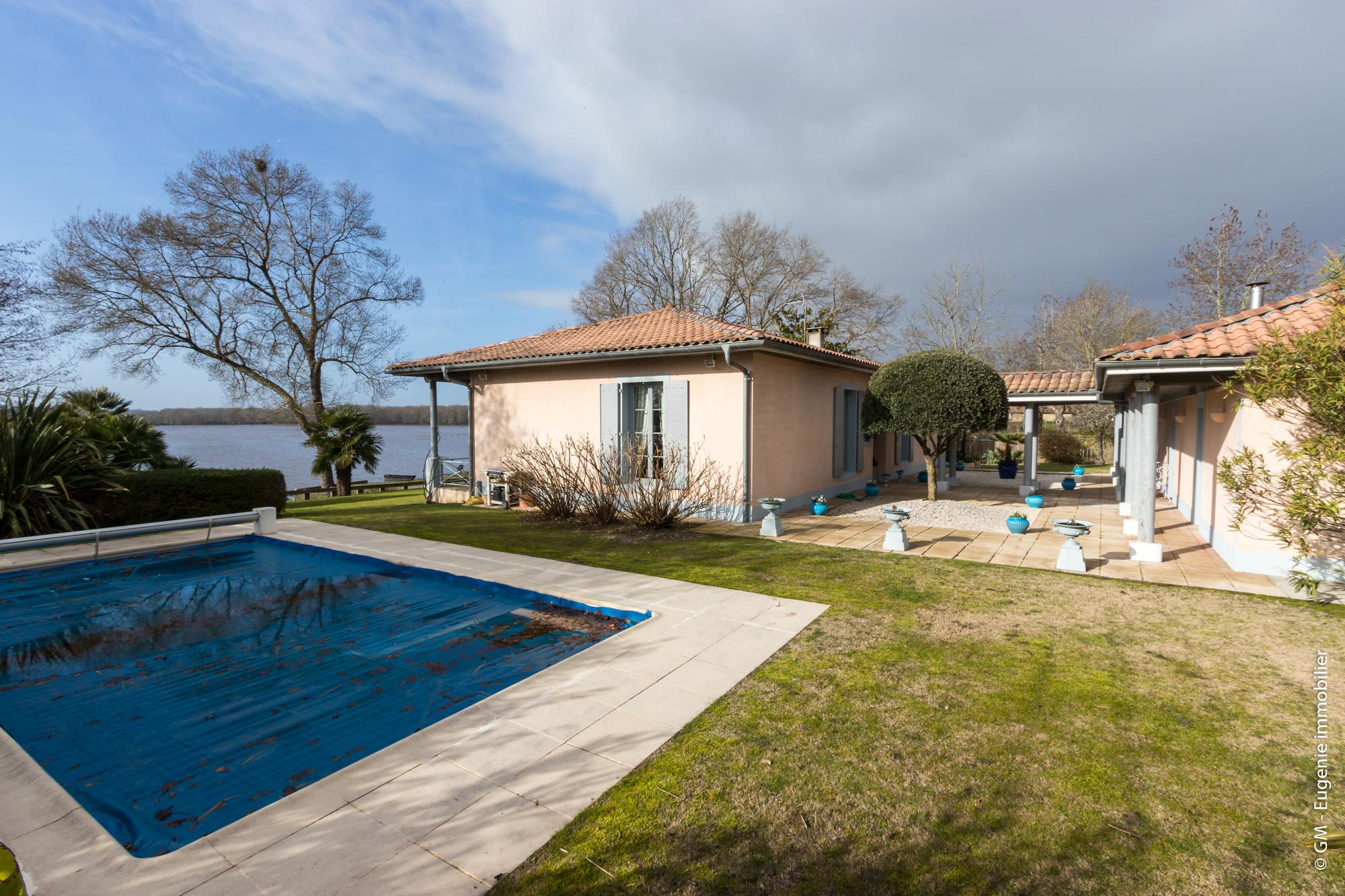 Maison de Charme avec ses dépendances 230 m²