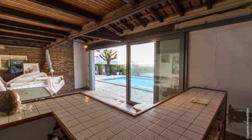 Pool house 02