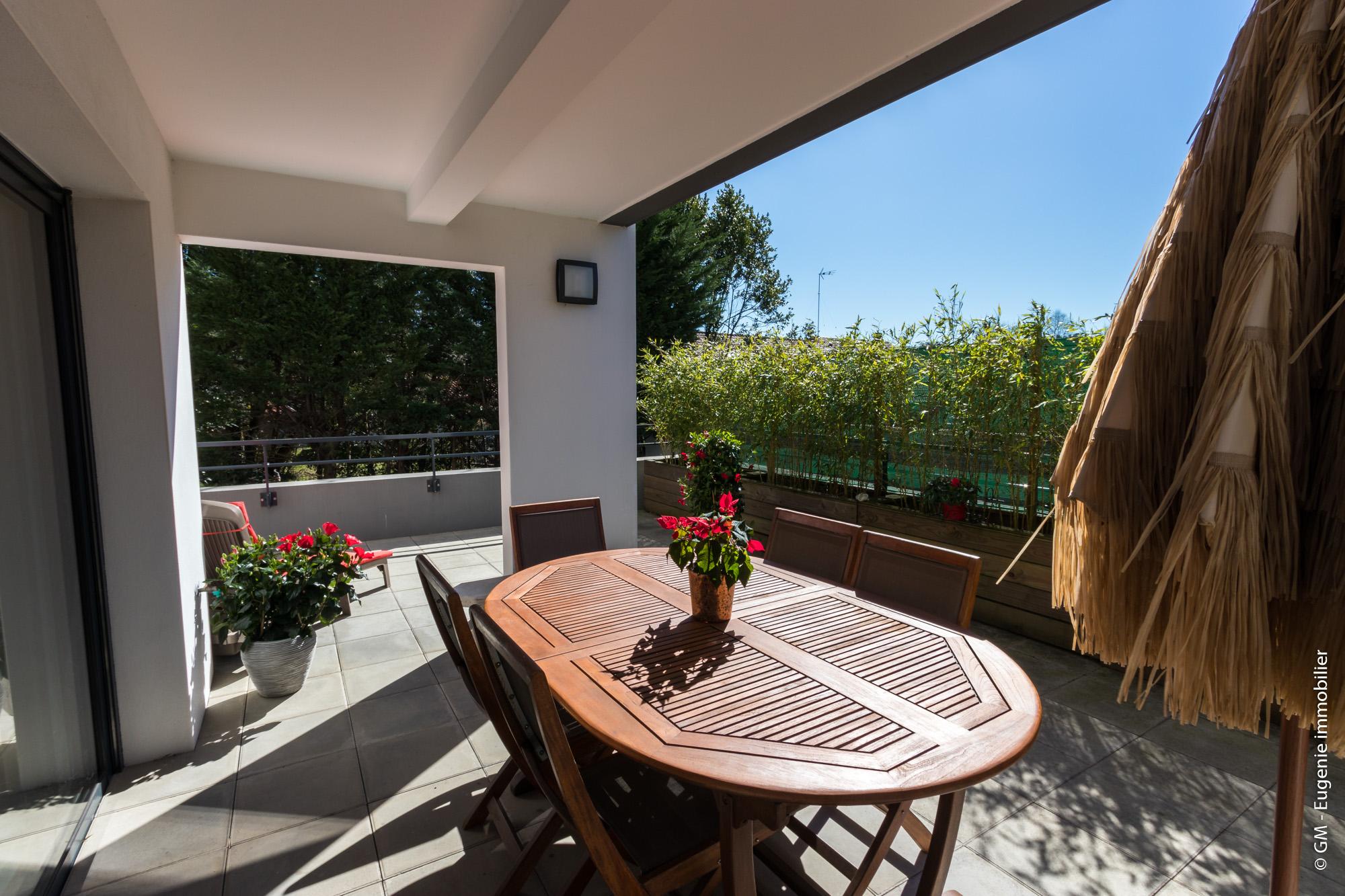 Appartement T3 64m² + Terrasse 52m² au calme