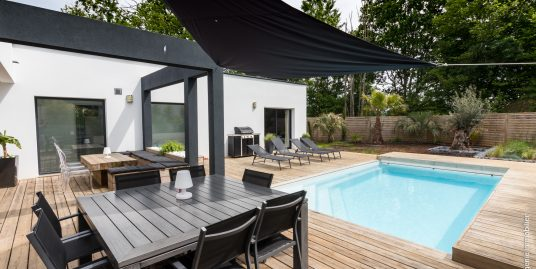 Villa Contemporaine 180m² avec Piscine
