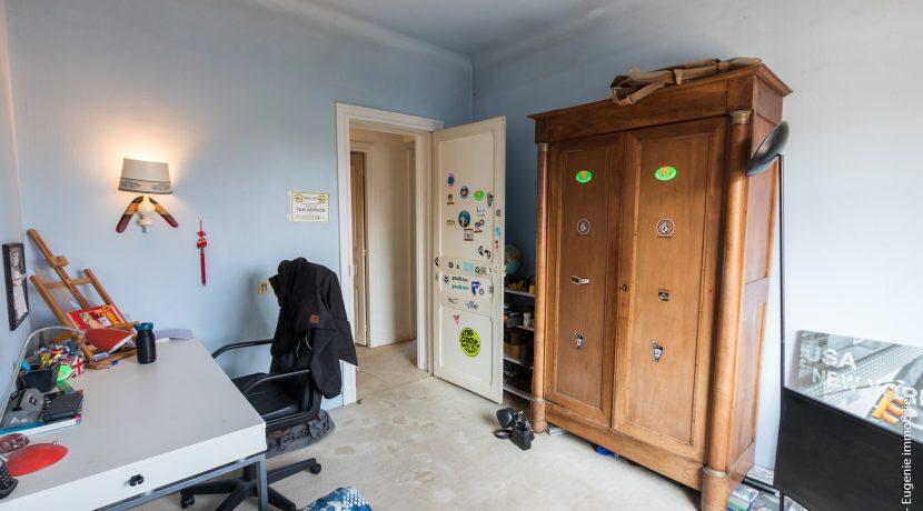 Bureau 01