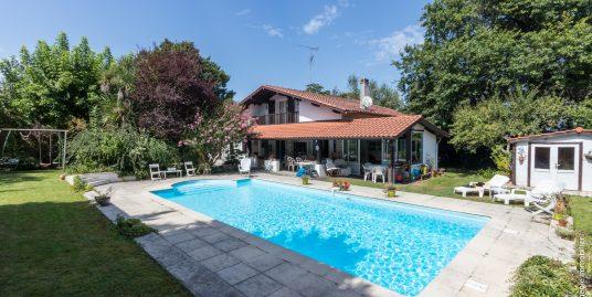 Maison de Charme d'Architecte 230m2 T7 Parc 1720m²