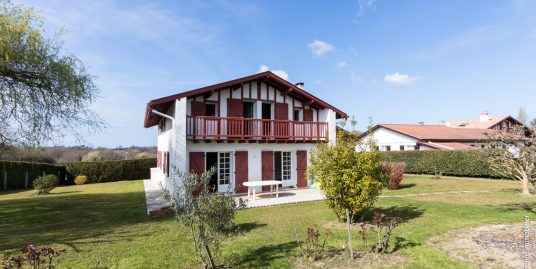Maison 145m² T6 au calme 10mn de Bayonne 1000m² Terrain