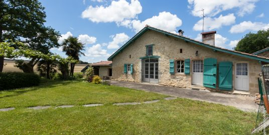 Maison/Ferme du XVIIème de 270m² T8 Jardin Arboré