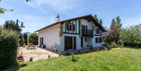 Maison de 250m² T8 + Terrain 2963m²