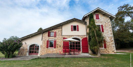 Maison/Ferme 350m² + Dépendance 80m² + Parc 2,2ha + Piscine