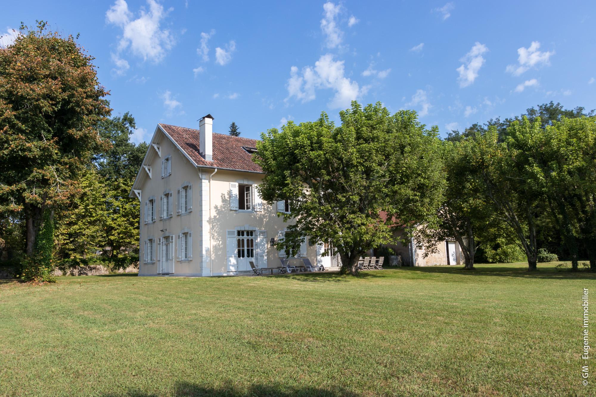 Maison de Maitre 360m² 10 pièces + Dépendances + Parc 7000m²