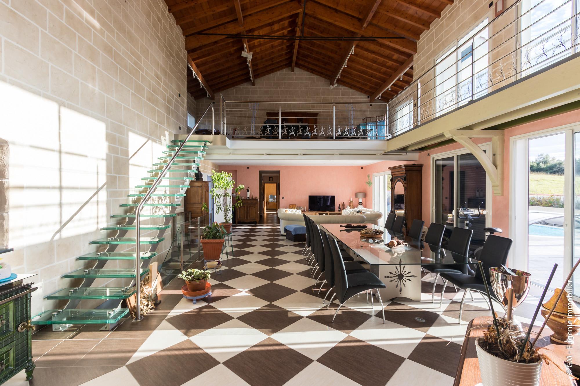 Villa d'Architecte 600m² + Piscine au sel + 4 Garages