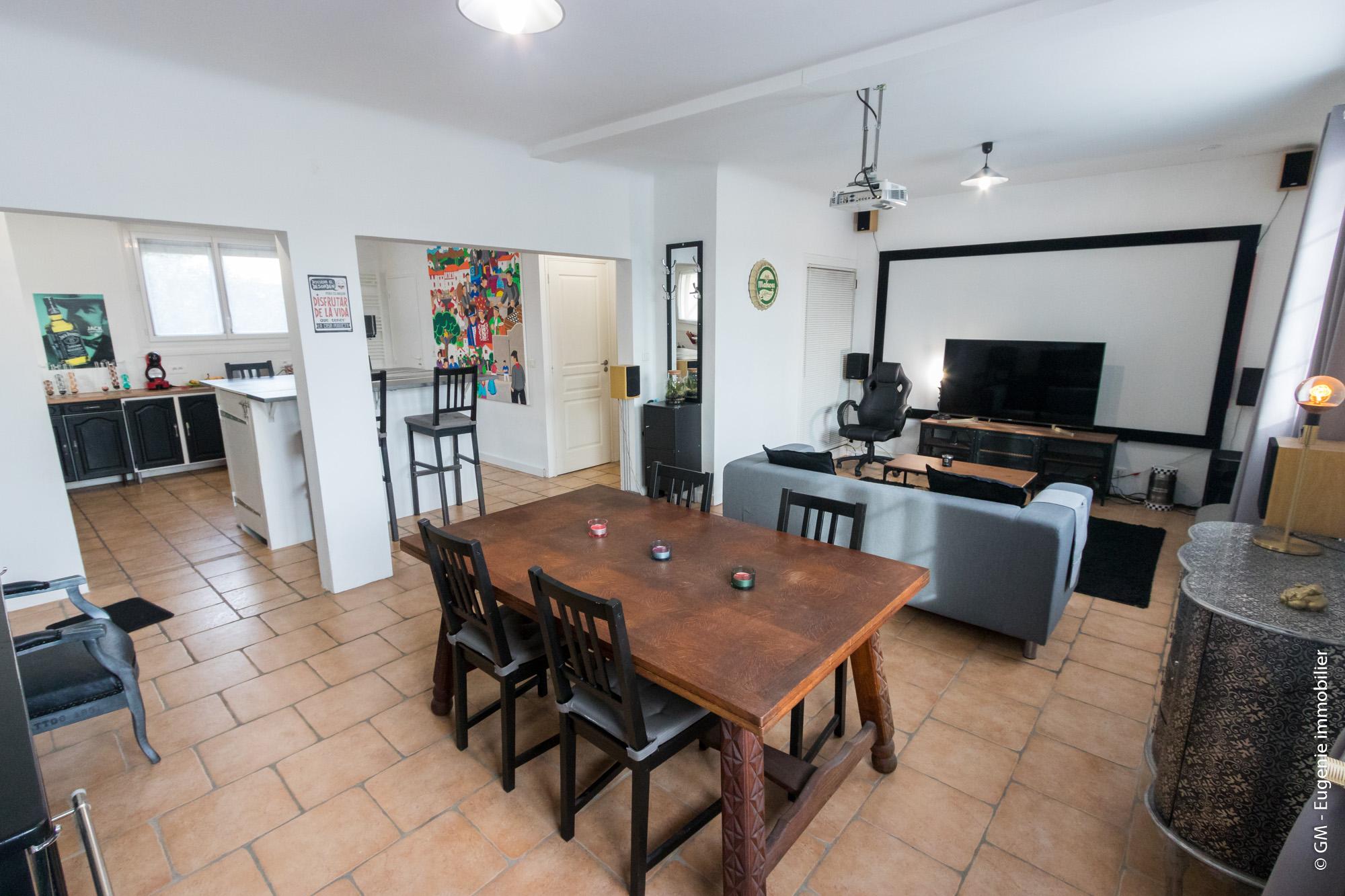 Maison 210m² Divisée en 2 Appartements T3 + 1 Studio Indépendant
