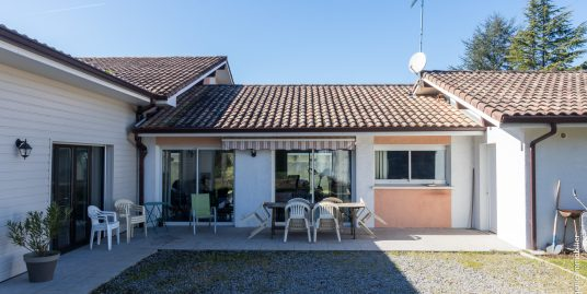 Maison Contemporaine 180m² T7 au calme Proche lac
