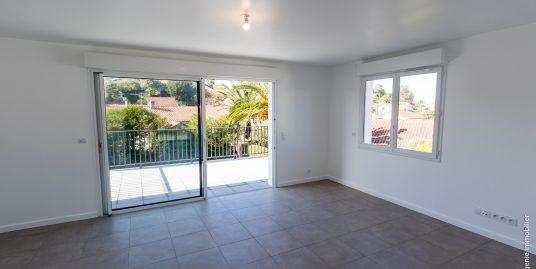 Appartement 96m² T4 1er étage + Terrasse 2mn Plage Entièrement rénové