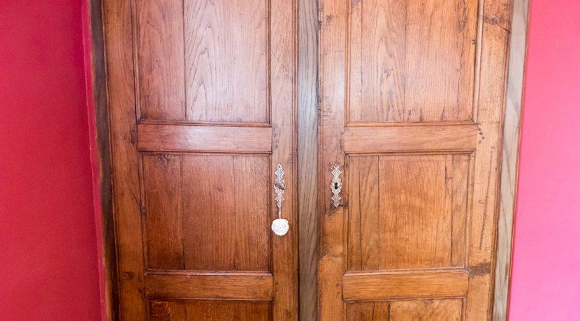 Porte placard 01