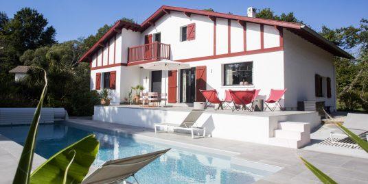 Maison 230m² Rénovée + Piscine