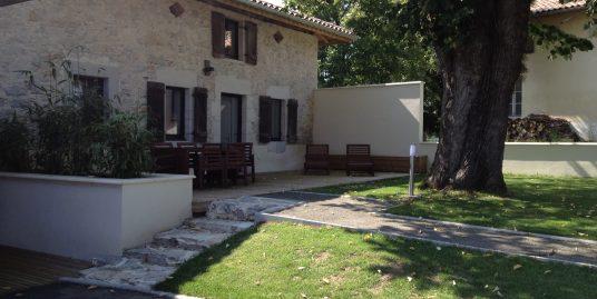 Appartement T3 de 60m² Duplex Entièrement Rénové avec Belle Terrasse de 32m²