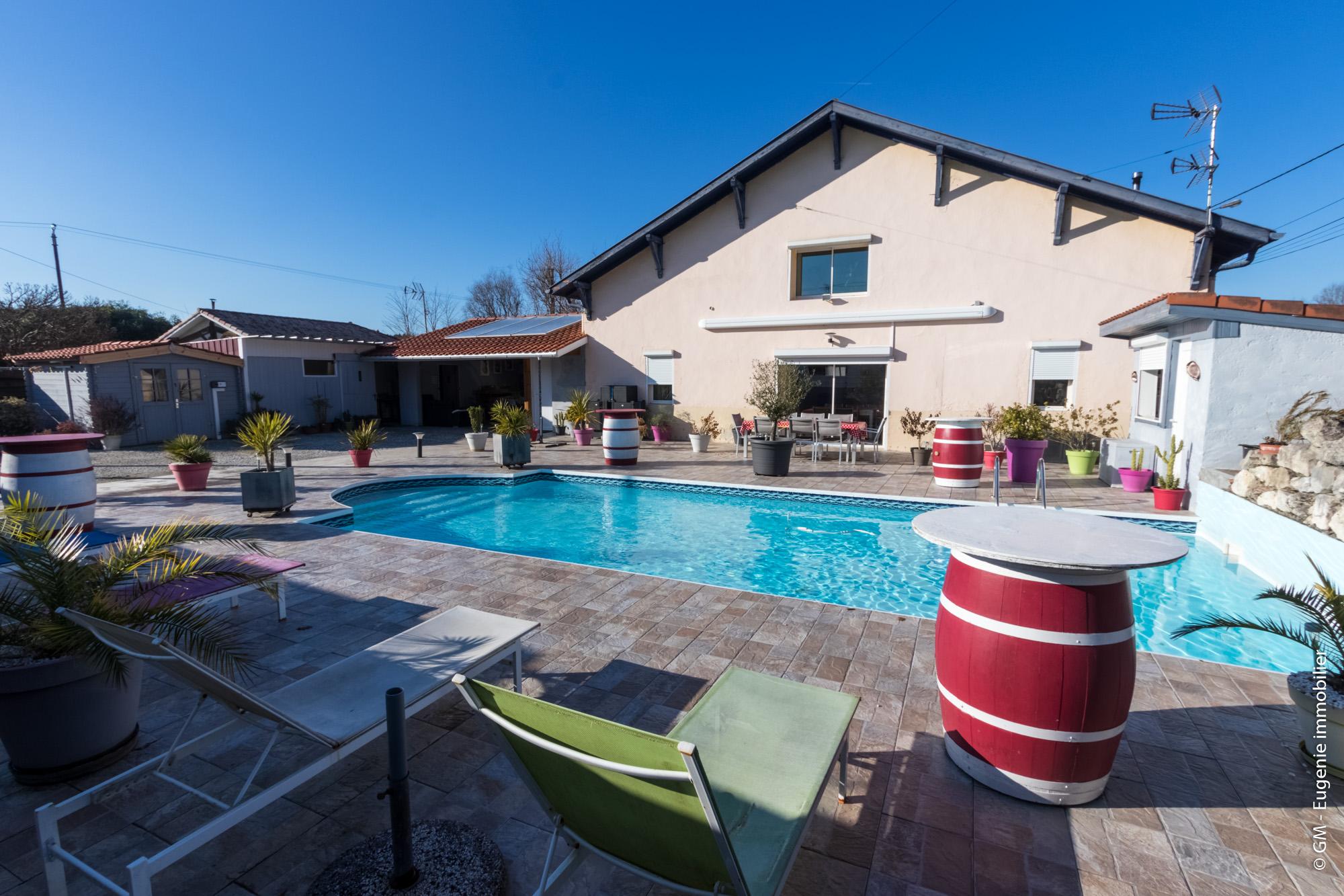 Maison 150m² au Calme T7 + piscine et Jardin 570m²
